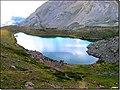 Lac de l'Oule - a 2600 mt. ci si specchia così - panoramio.jpg