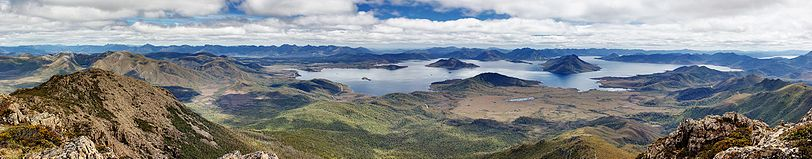 Lake Pedder From Mt Eliza.jpg