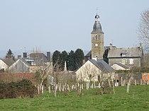 Le Mesnil-Adelée - Vue sur le bourg.JPG
