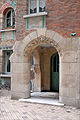 Lentrée du bâtiment arrière du Castel Béranger (Hector Guimard) (5478786063).jpg