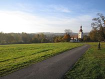 Lipová u Šluknova (fotka od cesty u hřbitova).JPG