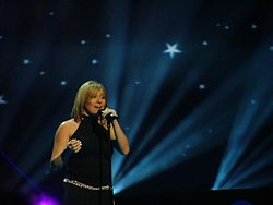 Lisa Andreas durante l'Eurovision Song Contest 2004