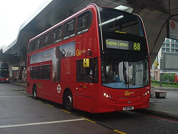 London General EH33 on Route 88, Vauxhall.jpg