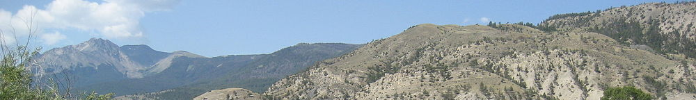 Lumpytrout Montana wikivoyage page banner sky and mountains.jpg