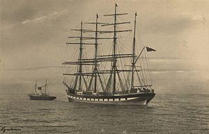 Lynton (ship, 1894) - SLV H99.220-3905.jpg