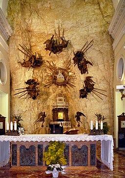Madonna della Corona-Interno