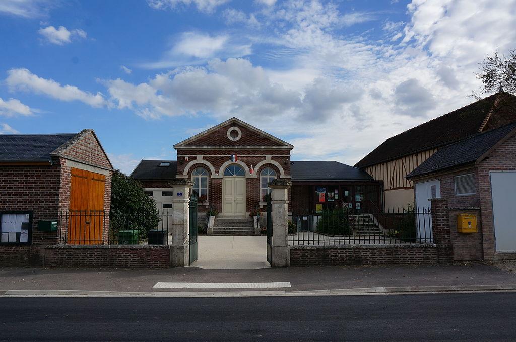 Mairie 08120.JPG