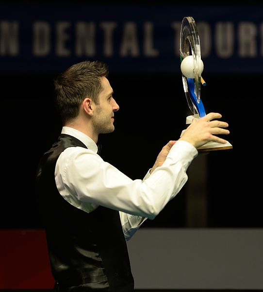 File:Mark Selby at Snooker German Masters (DerHexer) 2015-02-08 24.jpg