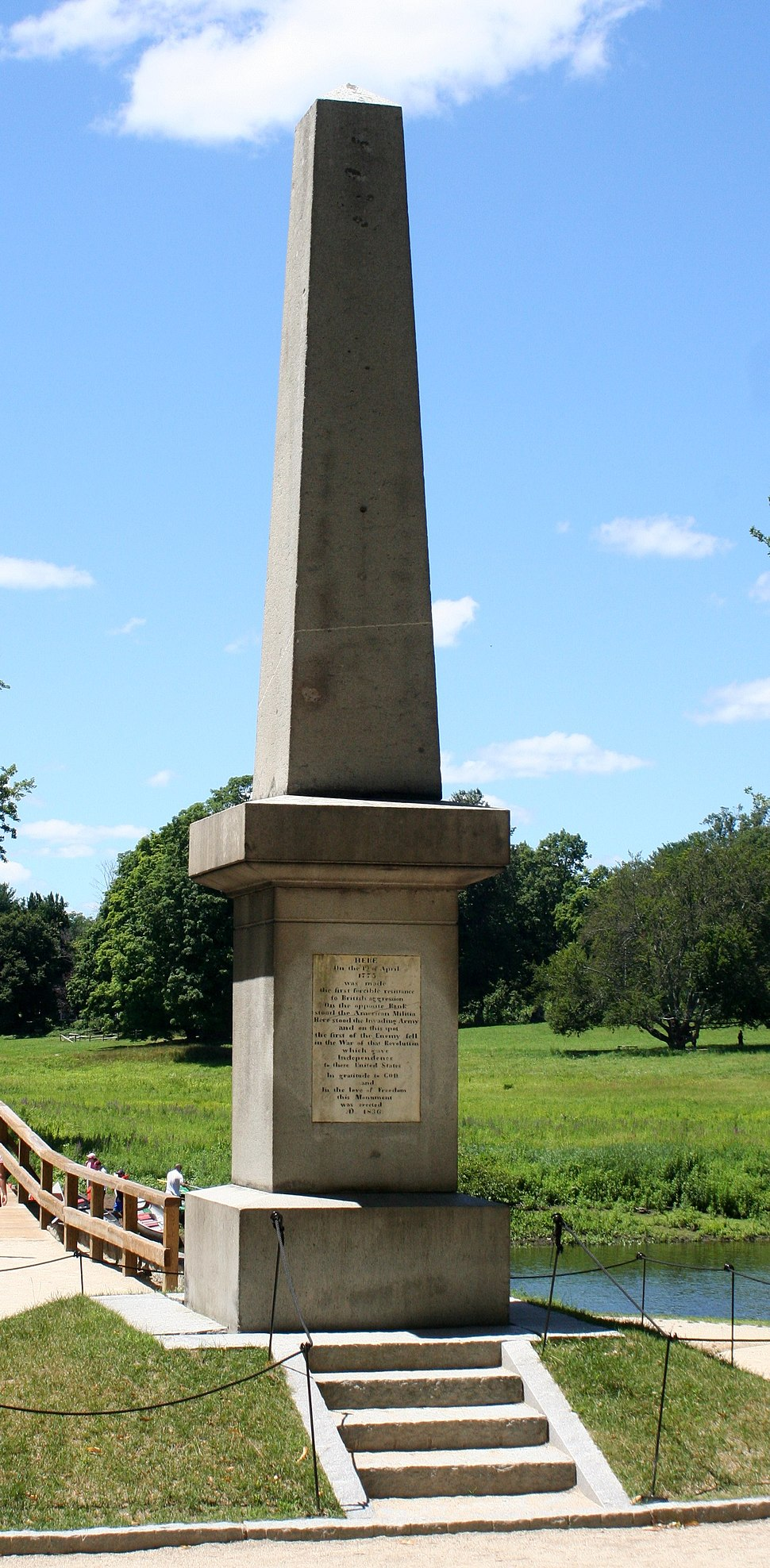 Memorial obelisk - Old North Bridge