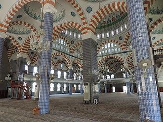 Muğdat Mosque - Image: Mersin Mugdat Mosque inside 4 2015 10 17