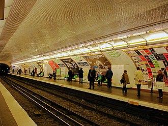 Sèvres – Babylone (Paris Métro) - Image: Metro de Paris Ligne 10 Sevres Babylone 01