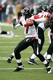 Vick as a member of the Atlanta Falcons in November 2006 f6a93527b