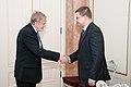 Ministru prezidents Valdis Dombrovskis tiekas ar Čehijas vēstnieku Latvijā Tomāšu Pštrosu (6311306437).jpg