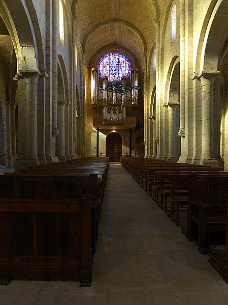 File:Monasterio de Poblet. Iglesia.jpg