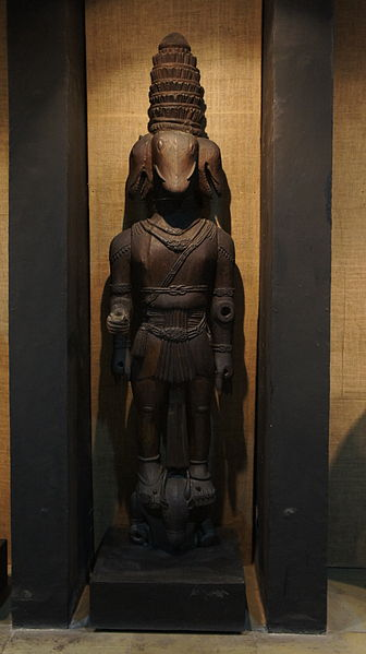 File:Monolith statue made by Bhuta Cult.jpg