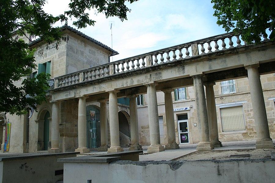 Montbazin (Hérault) - Colonnade du château (XVIIIe s).