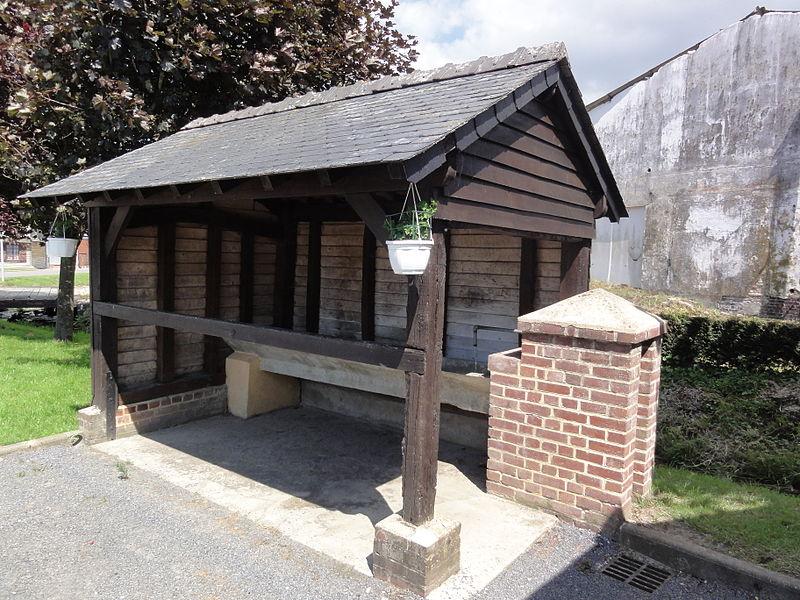 Morgny-en-Thiérache (Aisne) lavoir centre bourg
