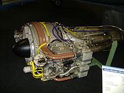 N-20 Triebwerk mit Auslass für nebenTriebwerke