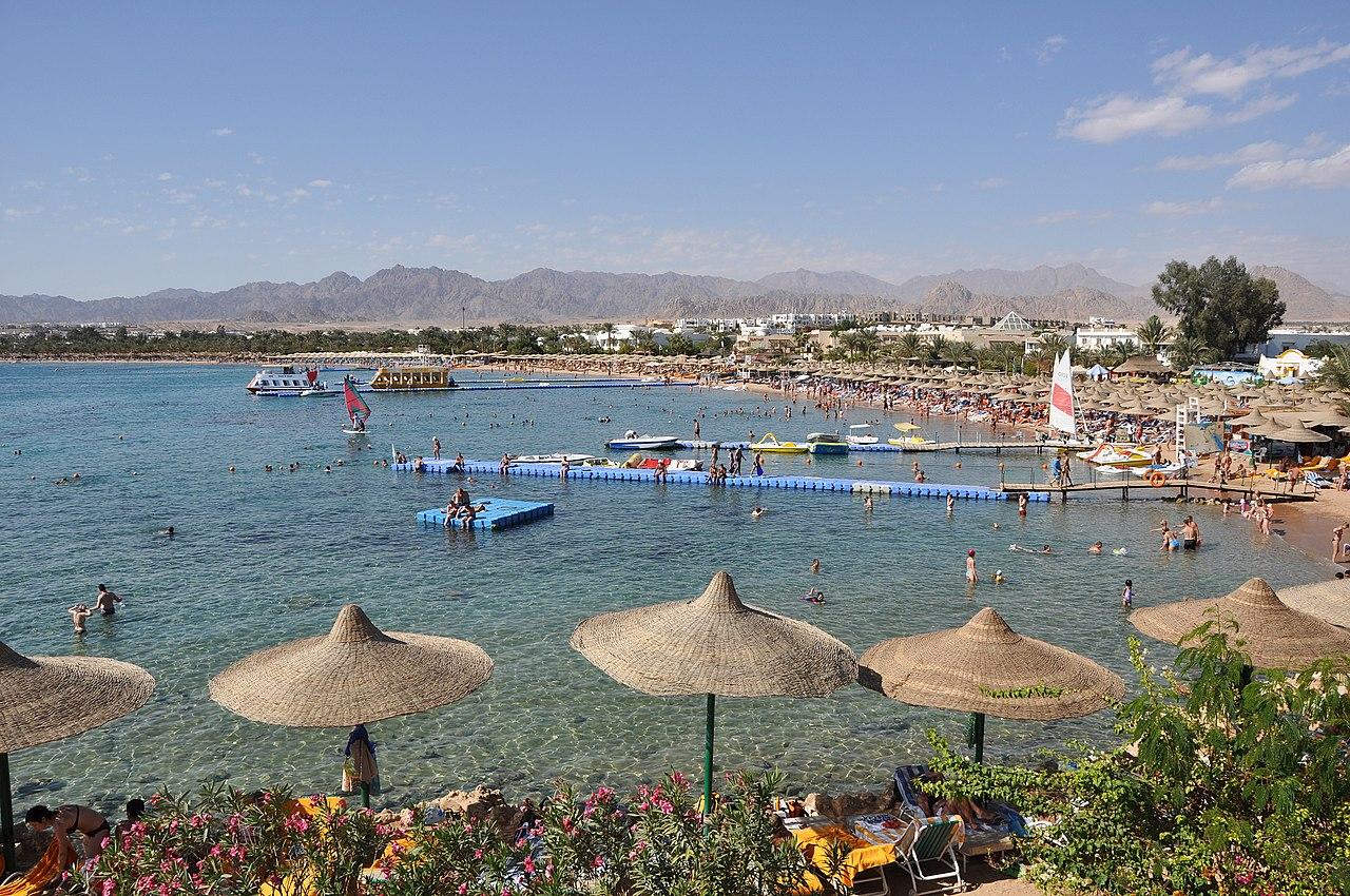 Шарм-эль-Шейх город-курорт в Египте на южной оконечности Синайского полуострова на побережье Красного моря
