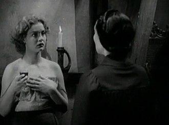 "Dracula's Daughter - ""Save the women of London from Dracula's Daughter!"" Countess Zaleska seduces Lili."