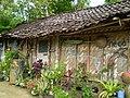 Newsy House Lama - panoramio.jpg