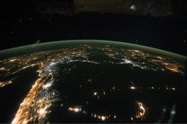 فائل:Night Pass over Central Africa and the Middle East.ogv