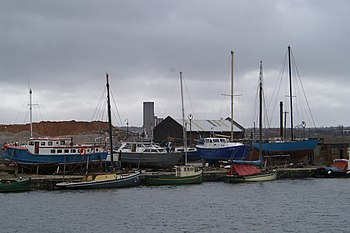 Nobbies in the dock - geograph.org.uk - 144408.jpg