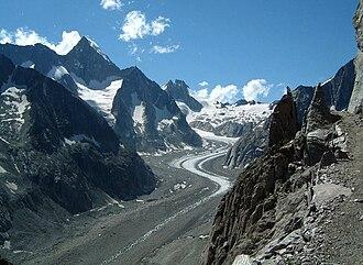Oberaletsch Glacier - Oberaletschgletscher and Nesthorn (left side)