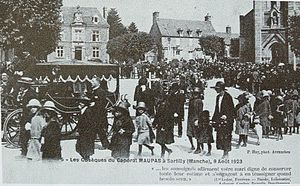 Souain corporals affair - The funeral of Corporal Théophile Maupas on 9 August 1923 at Sartilly in Normandy.