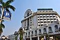 Omni Batavia Hotel - panoramio.jpg
