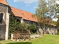 Oslavany, zámek, východní křídlo kláštera.jpg