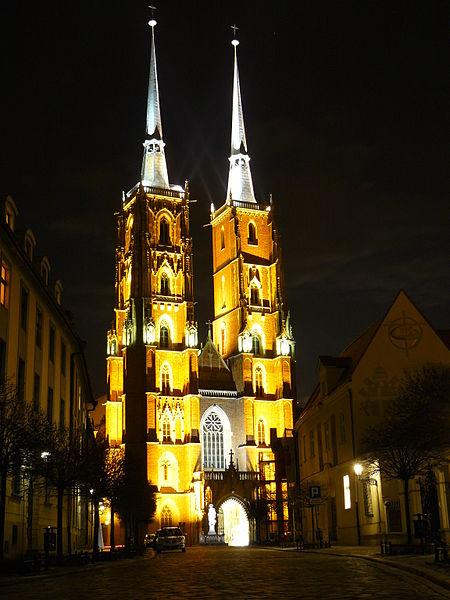 File:Ostrów Tumski - Katedra.jpg