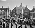 Overzicht van de voorbijtrekkende menigte, Bestanddeelnr 912-1847.jpg