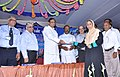 P. Chidambaram handing over educational loan to a beneficiary, at the inauguration of the Kanadukathan branch of Indian Bank, in Sivaganga district, Tamil Nadu. The MLA, Shri K.R. Periyakaruppan, the CMD, Indian Bank.jpg