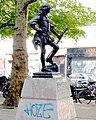 P1020050 Paris III Statue de Turenne jeune par Lucien Hercule reductwk.JPG