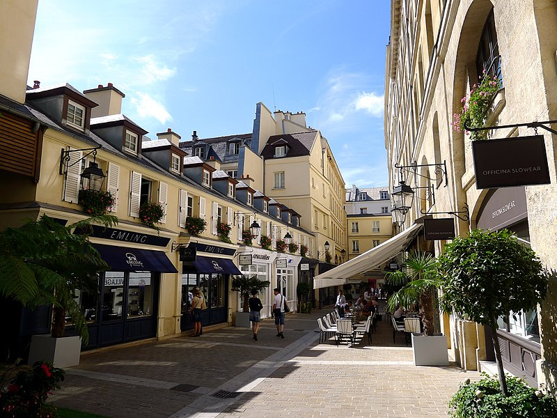 Fichier:P1040310 Paris VIII Village royal rwk.JPG