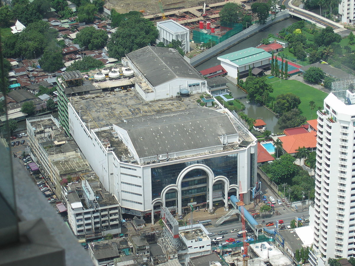 Stores For Floors >> Pantip Plaza - Wikipedia