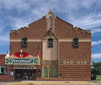 Paramount Theater (Austin, Minnesota) - Paramount Theater from the south
