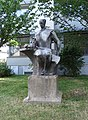 Pardubice, Palackého třída, socha (01).jpg