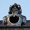 Paris - Les Invalides - Façade nord - Lucarne - PA00088714 - 009.jpg