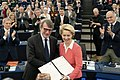 Parliament to vote on new European Commission (49133145752).jpg