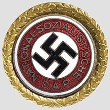 http://upload.wikimedia.org/wikipedia/commons/thumb/5/51/ParteiabzeichenGold.jpeg/220px-ParteiabzeichenGold.jpeg