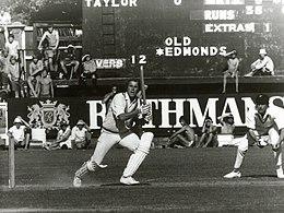 Phil Edmonds batting vs NZ, February 1978.jpg
