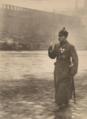 Photo - Verteidigungsminister Kliment Woroschilow bei einer Militärparade auf dem Roten Platz in Moskau - 1928.webp