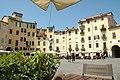 Piazza dell'Anfiteatro (Lucca) - panoramio.jpg
