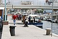 Piccolo mercato del pesce sul porto canale. - panoramio.jpg