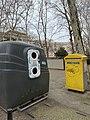 Place Bir-Hakeim (Lyon) - tri verre et BAL.jpg