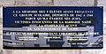 Plaque Shoah sur école rue de Picpus.JPG