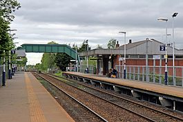 Platforms and footbridge, Bredbury railway station (geograph 4512680).jpg