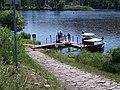 Podbabský přívoz, přístaviště Podhoří, ze břehu.jpg